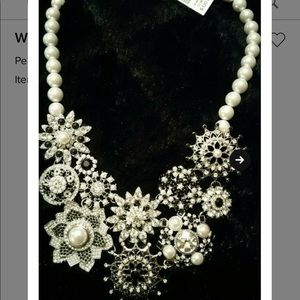 Pearl with clear crystals necklace